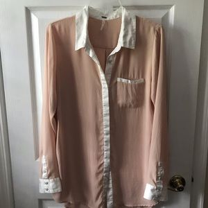 Free people large salmon  blouse with white collar